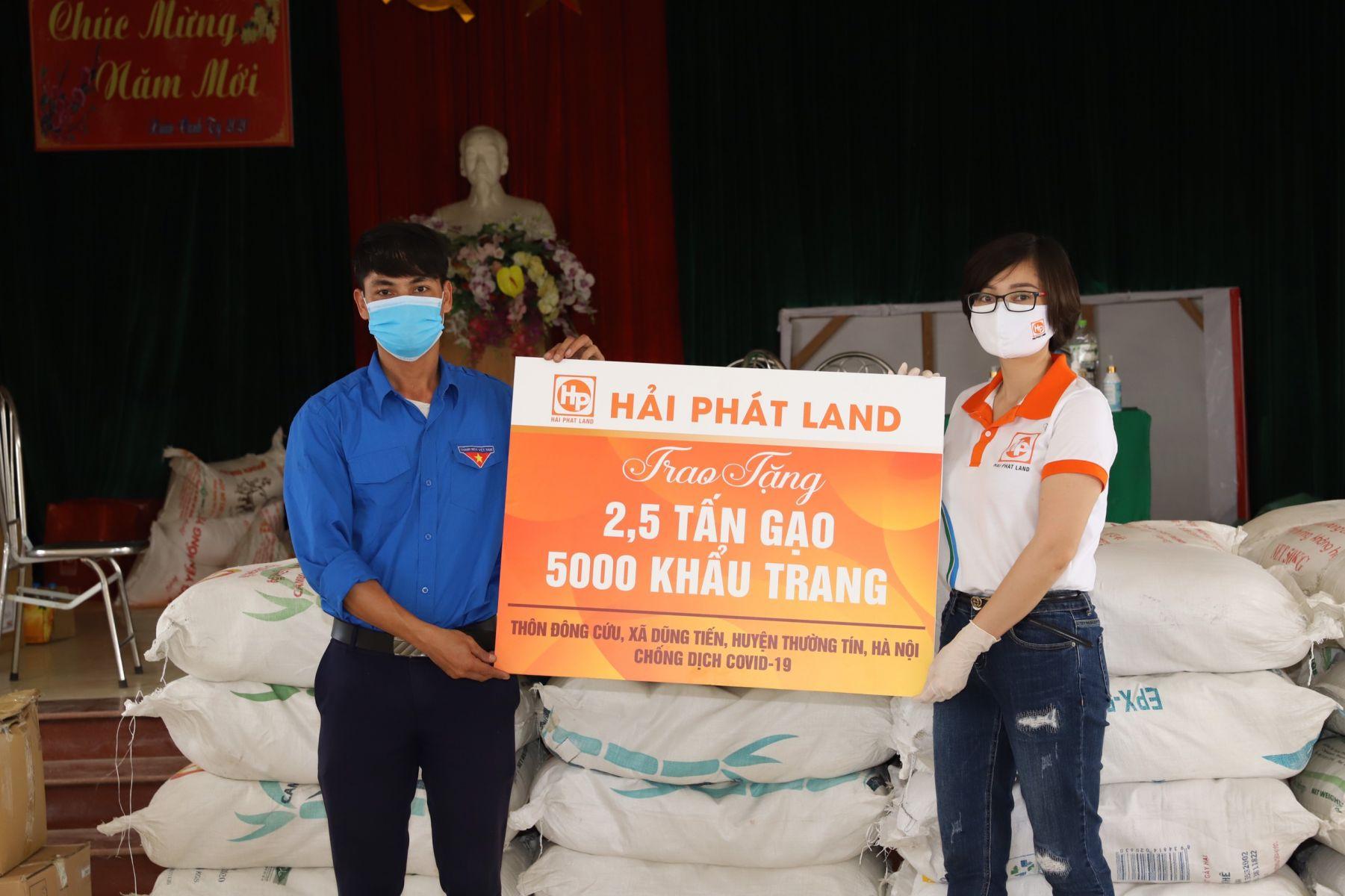 Hải Phát Land tặng 11 nghìn khẩu trang và 7,5 tấn gạo cho các địa phương bị cách ly do Covid-19